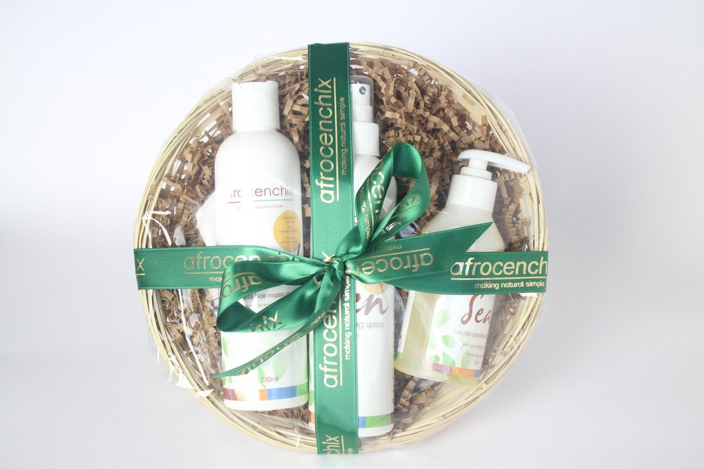 Festive Gift Basket – Moisture Surge £30