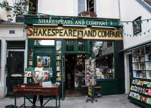 shakespeare_and_company_bookstore_paris_13_august_2013