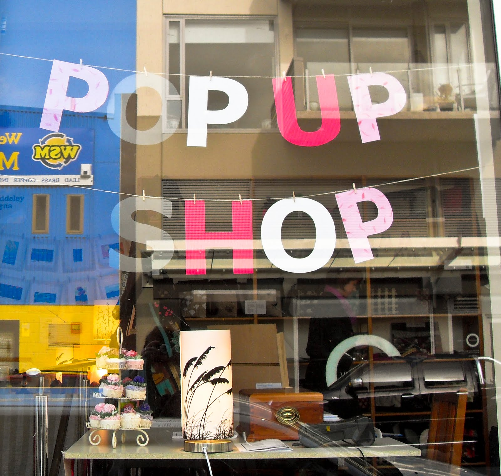 Starting a retail business? Here's everything you need to know about pop up shops
